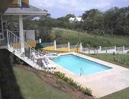 Beautiful Bright 3 Bedroom Villa And Separate Self Contained 2 Apartment